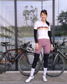New roadbike road bike bicycles ideas Dirt Bike Girl, Bicycle Girl, Female Cyclist, Cycling Girls, Cycle Chic, Bike Style, Sporty Girls, Sexy Girl, Equestrian Outfits