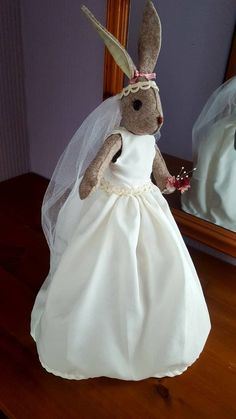 Luna Lapin wedding dress and veil Butterfly Dragon, Monarch Butterfly, Rabbit Crafts, Butterfly Template, Fabric Animals, Stunning Wedding Dresses, Parchment Craft, Silk Ribbon Embroidery, Toy Craft