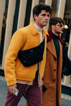 One great thing about men's fashion is that while most trends come and go, men's wear remains stylish and classy. However, for you to remain stylish, there are men's fashion tips you need to observe. Male Fashion Trends, Fashion Tips, Fashion Design, Mens Fashion 2018, Mens Fashion Bags, Retro Fashion Mens, Fashion Shoes, Men's Fashion, Fashion Outfits