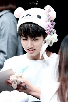 Find images and videos about kpop, bts and jungkook on We Heart It - the app to get lost in what you love. Jungkook Cute, Jungkook Oppa, Bts Bangtan Boy, Jung Kook, Jeon Jeongguk, Foto Bts, Namjin, Busan, Yoonmin