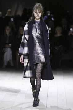 LIVESTREAMING: The BurberryFashion Show, ready-to-wear collection Fall Winter 2016 runway show in London     <p>Your browser does not support iframes&amp...