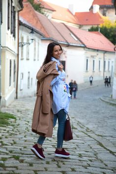 Brown coat with sneakers - Tina Chic