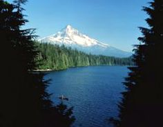 Lake and snow-capped Mount Hood in Oregon.