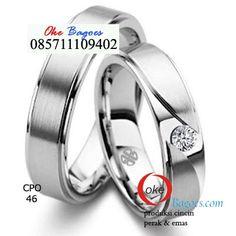 Beautiful engagement ring, sebuah cincin cantik terbuat dari bahan silver 925 made in Jogjakarta.