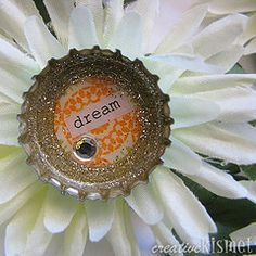 bottle cap flower magnets! Too cute and lots of uses from decorating presents to bulletin boards.
