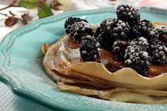 Oat milk pancakes with berries – Recipes – Bite Blackberry Sauce, Bottomless Brunch, Organic Eggs, Fritters, New Recipes, Pancakes, Berries, Good Food, Milk