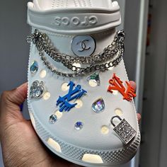 Crocs Fashion, Sneakers Fashion, Fashion Shoes, Crocs Shoes, Shoes Sneakers, Shoes Heels, Dou Dou, Aesthetic Shoes, Hype Shoes