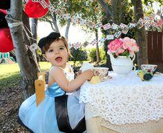 Alice In Wonderland Photo Shoot 1st Birthday  #aliceinwonderland #babyalice #teaparty