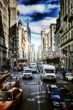 NYC daily commute New York City, Nyc, Apple, Travel, Men's, Seasons Of The Year, Photo Illustration, Apple Fruit, Viajes