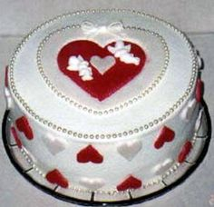 Valentine Cake (Hearts and Pearls)