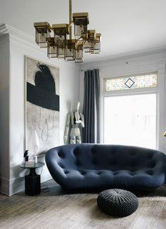 Chic et Design - La touche d'Agathe - sobre sober modern moderne contemporain furniture interieur livingroom staircase couture luxueux luxe