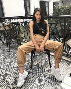💙 Look at that outfit! 💙 How many stars would you rate it? Rate fashion and get feedback on your style from all over the world 🌎 The Korean Street Fashion, Asian Fashion, Look Fashion, Girl Fashion, Fashion Outfits, Streetwear Mode, Streetwear Fashion, Lady Like, Cute Casual Outfits