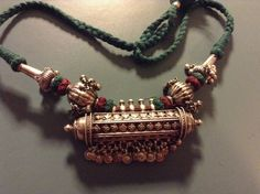 Indian Rajasthani decorative Ethnic necklace with many refined charming bells. and green/red facet glass. by on Etsy Gold Mangalsutra Designs, Gold Jewellery Design, Pendant Jewelry, Beaded Jewelry, Rajputi Jewellery, Gold Jewelry Simple, Necklace Designs, Fashion Jewelry, Lockets