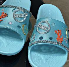 Crocs Fashion, Fashion Slippers, Sneakers Fashion, Swag Shoes, Bling Shoes, Crocs Sandals, Crocs Shoes, Designer Crocs, Fluffy Shoes