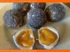Ovocné knedličky z tvarohového cesta Ovocné knedličky z tvarohového cesta - deti ich zbožňujú a dospeláci nimi nepohrdnú Ingrediencie Pre 4 osoby: Ovocie - napr. marhule 5-6 ks na osobu - podľa veľkosti ovocia, ale môžu byť aj slivky, broskyne alebo jahody kockový cukor kryštálový mletá škorica Cesto: 500 g tvarohu 50 g práškového cukru … Eggs, Breakfast, Food, Morning Coffee, Essen, Egg, Meals, Yemek, Egg As Food