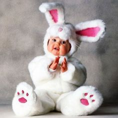 Tom Arma White Rabbit Tom Arma Signature Collection™ White Rabbit The perfect bunny for your little honey! This Tom Arma deluxe White Rabbit costu So Cute Baby, Baby Kind, Cute Kids, Cute Costumes, Animal Costumes, Baby Halloween Costumes, Baby Costumes, Baby Bunny Costume, Halloween Outfits