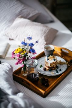 Sweet Tooth Girl | sweetoothgirl:   Breakfast in Bed with Delicious...