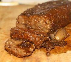 roti de seitan au four, avec sa sauce aux cèpes (séchés) et échalotes