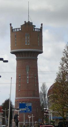 Watertoren van Den Helder, uit 1895, ontwerp van M.A.C. Hartman (neorenaissancestijl). Gerestaureerd in 2005. Nu in gebruik als winkelruimte en zaalverhuur.