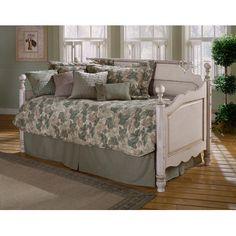 Hillsdale Furniture Wilshire Daybed with Trundle