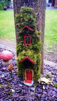 Thank you to The Art & Hobby shop who tagged us in this photo! How amazing is this fairy's home? Fairy Crafts, Garden Crafts, Garden Projects, Fairy Tree Houses, Fairy Garden Houses, Fairy Garden Doors, Fairy Doors, Diy Cat Enclosure, Rock Crafts