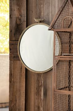 Oh yeah.the must-have mirror of today's farmhouse bedecked homes. We love this Rustic Round Perched Bird Mirror and so will you! It touts a distressed metal f Foyer Mirror, Metal Mirror, Round Wall Mirror, Round Mirrors, Farmhouse Mirrors, Antique Farmhouse, Farmhouse Chic, Farmhouse Design