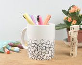 """Mug """"accumulation"""" ilustrado por Les généreuses."""