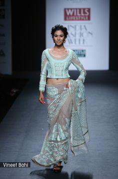 Vineet Bahl #saree #sari #blouse #indian #hp #outfit #shaadi #bridal #fashion #style #desi #designer #wedding #gorgeous #beautiful