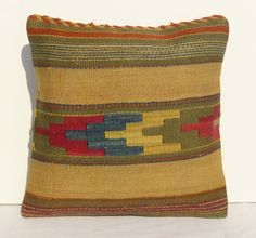 Decorative pillow cover made with a vintage Turkish Hand woven Kilim rug. Add a wonderful Bohemian touch to your decor! 40 x 40 cm Kilim Pillows, Kilim Rugs, Throw Pillows, Crochet Instructions, Decorative Pillow Covers, Hand Weaving, Beige, Pure Products, Wool