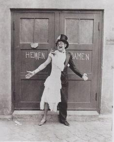 Berlin 1920s Cabaret | in the middle of modern day berlin a relic of the city s 1920s cabaret ...