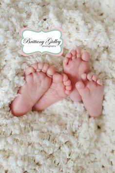 Twin Newborn Photography | Brittany Gidley Photography LLC