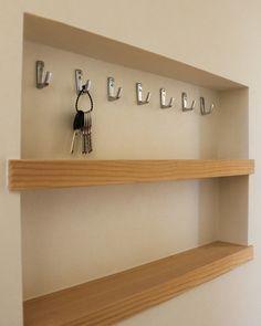 飾り棚「ニッチ」を使っておしゃれに収納。素敵なインテリア空間を作ろう♪ | home | Pinterest | 鍵