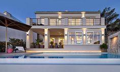 Mediterrán vízparti ház modern lakberendezés és dekoráció