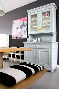 colour behind dresser and re paint dresser