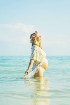 Beach Maui Maternity Portrait. Kanaha Beach #babybump http://www.angiediazconcept.com