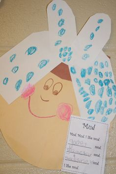 I need someone super crafty to help me figure out a pattern for this.  We read Mrs wishy washy the first week of school.