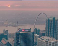 Sunrise in #STL - Images of the @GatewayArchSTL and the Mississippi river from SkyFOX helicopter