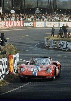 Pedro Rodriguez / Nino Vaccarella, #18 Ferrari 365 P1/P2 Spyder (North American Racing Team) 24 Hours Le Mans 1965 (7th)