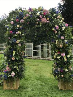 Wedding Flowers, Christmas Tree, Outdoor Structures, Holiday Decor, Home Decor, Teal Christmas Tree, Homemade Home Decor, Xmas Trees, Interior Design