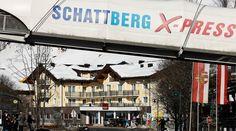 Hotel Auwirt ist nur einen Katzensprung vom Schattberg X-Press und dem Zentrum von Saalbach entfernt. Hotel Austria, Travel Hotel, Star Wars, Hotels, Broadway Shows, Centre, Alps, Broadway Plays, Starwars