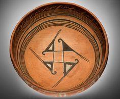 Ancestral Hopi bowl  AD 1300s  Homol´ovi, Navajo County, Arizona  Clay, paint