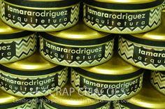 """Lemnbrancinha confeccionada para presentear os clientes do escritório de arquitetura Tamara Rodrigues.   Lembrancinha despachada para a cidade de Porto Alegre/RS. Mais informações você poderá visualizar em nossa loja virtual <a href=""""http://www.lescrapcriacoes.com"""" rel=""""nofollow"""">www.lescrapcriacoes.com</a> ou entrar em contato através do e-mail:lescrapcriacoes@hotmail.com"""