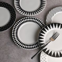 The Black & White Plates Collection