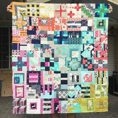 #becscityofsteel #cottonandsteel #citysampler Sampler Quilts, Scrappy Quilts, Pink Quilts, Quilt Corners, Colorful Quilts, How To Finish A Quilt, Leftover Fabric, Quilt Making, Quilting Designs