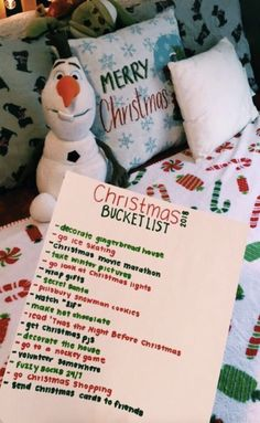 Looking for for ideas for christmas aesthetic?Check this out for perfect Xmas inspiration.May the season bring you serenity. Christmas Feeling, Noel Christmas, Merry Little Christmas, Winter Christmas, Frozen Christmas, Christmas Crafts, Christmas Decorations For Room, Christmas List Ideas, Christmas Cookies
