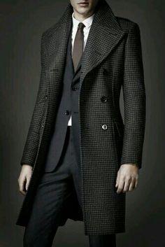 Winter coat mantel burberry, sharp dressed man, well dressed men, frocks, t Gentleman Mode, Gentleman Style, Modern Gentleman, Sharp Dressed Man, Well Dressed Men, Trench Coat Homme, Look Fashion, Mens Fashion, Winter Fashion