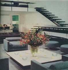 The October 1977 House Beautiful article from which these photos were scanned focused on the interiors of Halston's Paul Rudolph designed townhouse Decor Pad, Art Deco, Spacious Living Room, Living Rooms, Beautiful Homes, House Beautiful, Retro Home, Mid Century Modern Design, Modern Buildings