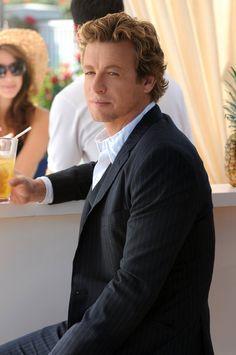 Simon Baker as Jane in the Mentalist. Gotta love that hair!
