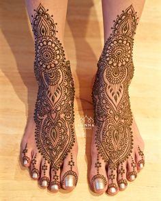 Dense bridal foot design with little toe flowers #henna #mehndi #indianwedding…
