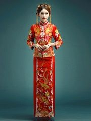 Long Qipao Wedding Dress Traditional Chinese Xiuhe Suit Traditional Chinese, Chinese Style, Traditional Dresses, Chinese Fashion, Red Wedding Dresses, Most Beautiful, Suits, Red Wedding Gowns, Suit